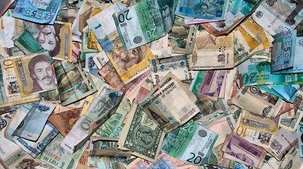 Pirmą kartą per tris prekybos sesijas brangsta JAV doleris