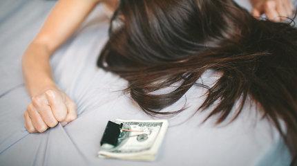 Prostitucijos pinklėse atsidūrusių moterų patirtys: jos visos ieškojo meilės