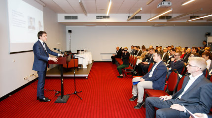 Verslo plėtros forume skatinta nebijoti investuoti į verslą
