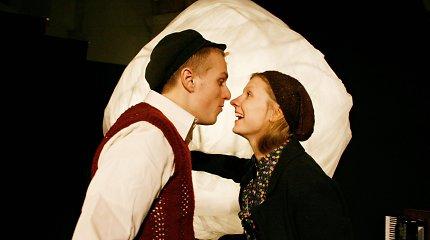 Teatras MI pristato spektaklį pagal Icchoko Mero romaną: pasakos apie karą ir vaikus