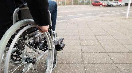 Vyriausybė siūlo kol kas neplėsti lengvatų neįgaliesiems keliantis į Kuršių neriją
