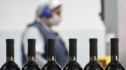 Rusijoje apsinuodiję alkoholiu mirė 17 žmonių