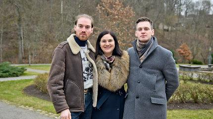 """Laidoje """"Virtuvės istorijos"""" – Gabrielius Vagelis su broliu Osvaldu ir mama Dalia"""