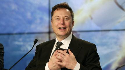 """Elonas Muskas: dėl klimato kaitos problemų """"Tesla"""" daugiau nebepriims bitkoino"""
