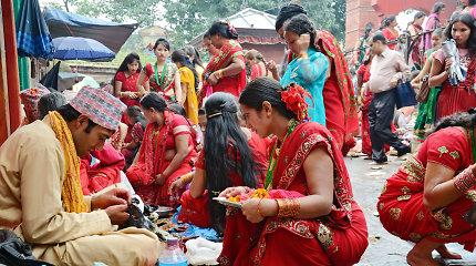 """""""The Diplomat"""": Nepale per menstruacijas moterims taikoma net 40 rūšių draudimų"""