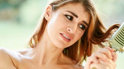 Psichologė: į plaukų retėjimą ypač jautriai reaguoja jaunimas ir moterys
