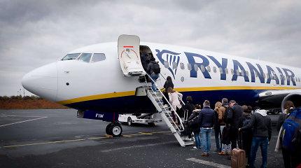 Prognozuoja skrydžių bilietų kainų augimą