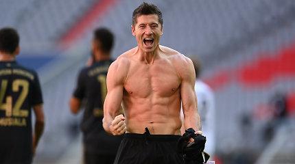 Tiksint paskutinėms Bundeslygos sezono minutėms R.Lewandowskis tapo įspūdingo rekordo autoriumi