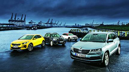 """Testuojam """"Kia XCeed"""", """"VW T-Roc"""", """"Škoda Karoq"""", """"Mini Countryman"""". Kuris kiečiausias?"""
