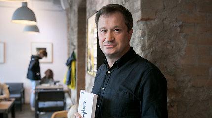 """Kitokia lietuvių rašytojų karta: skaitytojų dėmesio centre P.Senūtos romanas """"Sfera"""""""