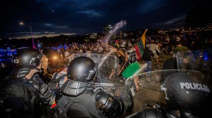 Į laisvę paleisti beveik visi suimtieji dėl riaušių prie Seimo, yra naujų įtariamųjų