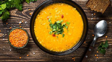Verta išbandyti: lęšių ir konservuotų pomidorų sriuba su kokosų pienu