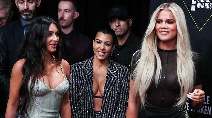 Kas liko už kadro: Kylie slėpė savo nėštumą, o Kim – skyrybų reikalus