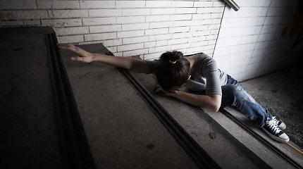 Socialinis eksperimentas: kas padės suklupusiam gatvėje dėl išsėtinės sklerozės?
