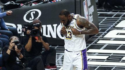 """Los Andželas priklauso Karaliui: """"Lakers"""" nubloškė """"Clippers"""" komandą"""