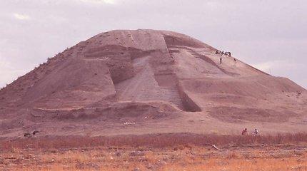 Seniausias pasaulyje karo paminklas – piramidės formos piliakalnis