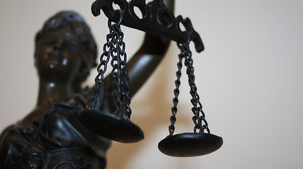 Mergina nutarė pranešti apie nebūtą išžaginimą: gresia tūkstantinė bauda