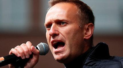 """""""Google"""" blokavo A.Navalno rekomendacijas dėl balsavimo"""