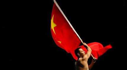 Demonstruodama galią Kinija pasiuntė 24 karo lėktuvus Taivano link