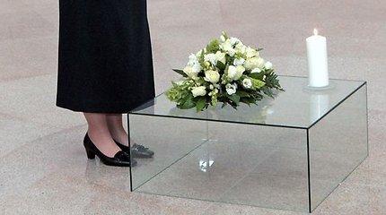 Buvusiame Tuskulėnų dvare paminėta pirmųjų KGB aukų atminimo diena