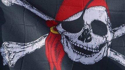 Kodėl piratai dažnai vaizduojami su papūgomis ant pečių? Iš kur atsirado šis motyvas?