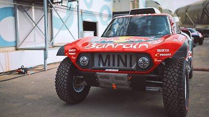 """""""Agrorodeo"""" ekipažas dar neprasidėjus Dakarui džiaugiasi draugyste su """"X-Raid"""""""