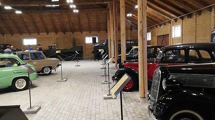 Anykščiuose – istorinių automobilių ekspozicija