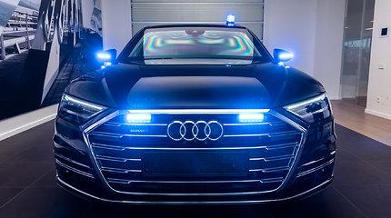 """Į Lietuvą atkeliavo šarvuota """"Audi A8L Security"""", nebijanti nei COVID-19, nei užpuolikų"""