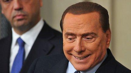 Vėl išpopuliarėjęs buvęs Italijos premjeras Silvio Berlusconi skelbia ultimatumą: vaivorykštinė vyriausybė arba nauji rinkimai