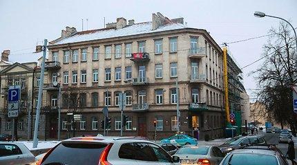 Paslaptingomis palėpės statybomis Vilniaus centre susidomėję kaimynai nustėro ant dokumentų radę savo parašus