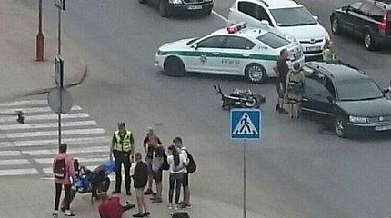 Šiaulių Šimšės rajone susidūrė motociklas ir lengvasis automobilis