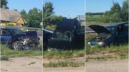 """""""Opel"""", """"Audi"""" ir """"Škoda"""" avarijos prie Gižų padariniai: sužeistųjų – visas būrys"""