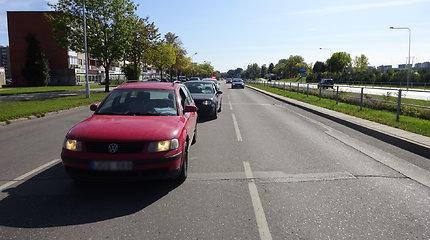 Alytaus pareigūnams neaišku, kaip Naujojoje gatvėje susidūrė du seni VW automobiliai