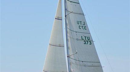 """RS–280 buriavimo čempionate pirmauja """"Raganosio"""" jachtos įgula"""