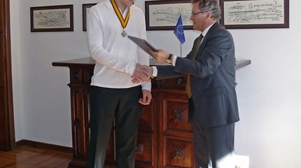 Jonui Mačiuliui Italijoje įteiktas Lietuvos valstybės apdovanojimas