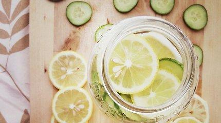 2 receptai, kuriuose dera agurkai ir citrinos: naminis limonadas ir jogurtinė užtepėlė