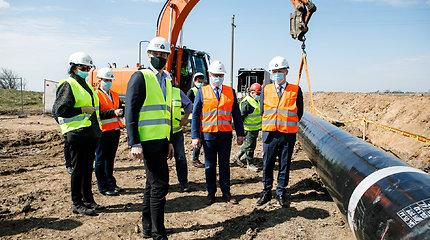 Energetikos ministras apžiūrėjo dujotiekio tiesimo darbus