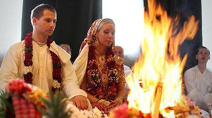 """Kaune susituokusi vaišnavizmą išpažįstanti pora: """"Egzotiškai šios vestuvės atrodo tik kitiems"""""""