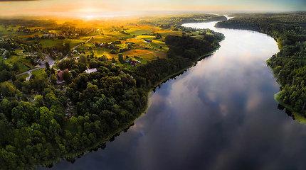 Valstybingumo šimtmetį švenčianti Estija kviečia sutvarkyti visą pasaulį