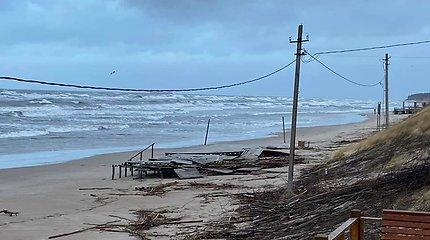 Audros aptalžyti Klaipėdos paplūdimiai