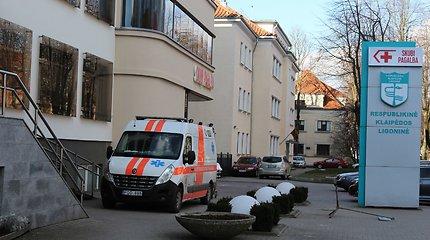 Kvepia teismais: Klaipėdoje 20 metų ligoninei vadovavęs vyr.gydytojas pasijuto persona non grata