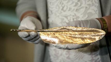 Lietuvą po 90 metų sugrįžusi auksinė prezidento Antano Smetonos plunksna