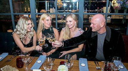 Labdaros renginyje – garbūs svečiai ir puošnios damos