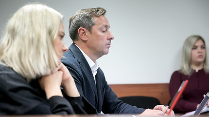 Besiskiriantys Agnė ir Artūras Zuokai susitiko teisme