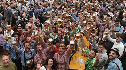 "Miunchene prasidėjo alaus festivalis ""Oktoberfest"": už bokalą prašoma 11,5 euro"