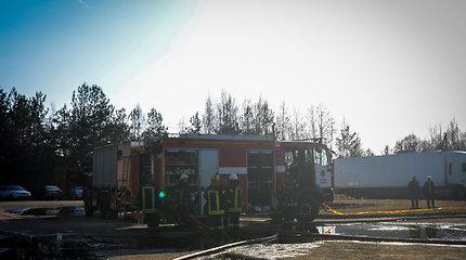 Ukmergės rajone – gaisras medienos įmonėje