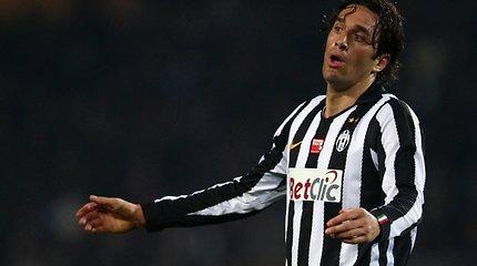 """Luca Toni palieka """"Juventus"""" ekipą – futbolo veteranas rungtyniaus Jungtiniuose Arabų Emyratuose"""