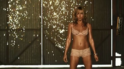 "Jennifer Aniston filme ""Labas, mes Mileriai"" tapo karšta striptizo šokėja"