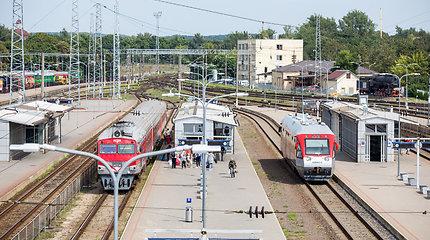 """""""Lietuvos geležinkelių"""" valdyba pritarė keleivių vežimo veiklos perkėlimui"""
