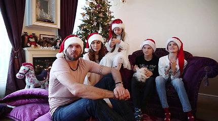 Tatjanos ir Kšištofo Lavrinovičių šeimos kalėdinis sveikinimas